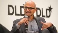 """""""Es führt kein Weg daran vorbei, dass wir die wahren Probleme ansprechen, wie die Balance zwischen Privatsphäre und nationaler Sicherheit"""", sagt Microsoft-Chef Satya Nadella."""