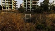 Unfertige Wohnungen in einem Vorort Athens: Die Regierung scheut bislang davor zurück, Banken die Zwangsversteigerung von verpfändeten Immobilien zu erleichtern.