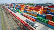 Güter-Terminal in Frankfurt: Trotz der lockeren Geldpolitik droht keine Überhitzungsgefahr der deutschen Wirtschaft.
