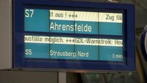 Lokführer legen Feierabendverkehr lahm