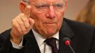 Schäuble beharrt auf Kürzung bei Flüchtlings-Leistungen