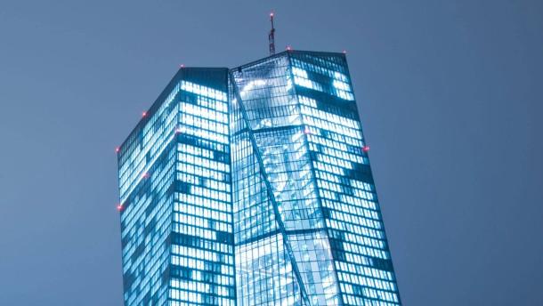 Warum steht die EZB vor Gericht?