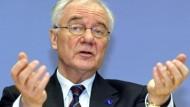 Will die Einführung von Wirtschaftsschwerpunkten: Manfred Stolpe