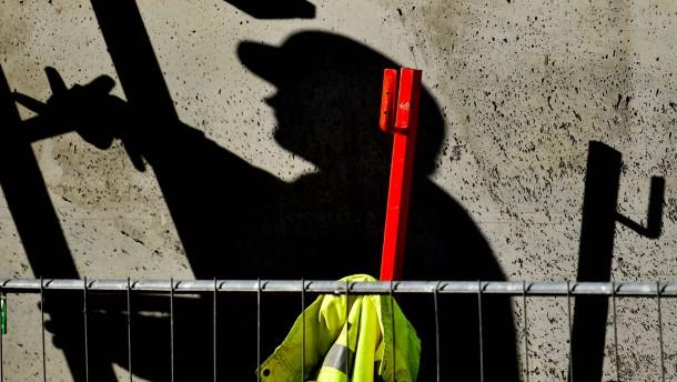 Schwarzarbeit geht weiter zurück