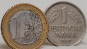 Mehrheit der Deutschen sieht Euro kritisch