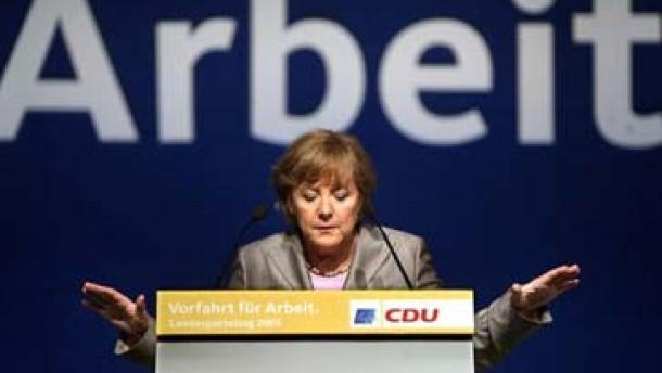 Viel Kritik an Merkels Steuerplänen