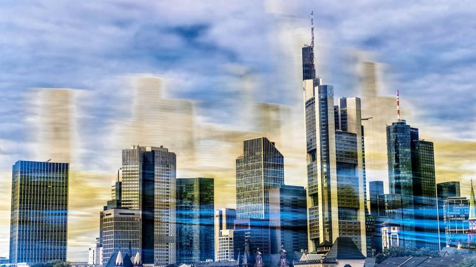 Die Türme der Frankfurter Banken: Die Branche steht unter Ertrags- und Kostendruck.