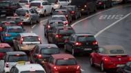 Verkehr in Stuttgart: Für viele Dieselfahrzeuge gelten ab 2018 an manchen Tagen Fahrverbote.