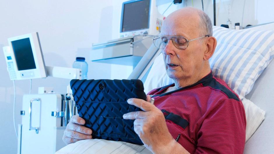 Innovationsfreudig geht auch: Ein Herz für Tablets im Herzzentrum.