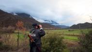 Menschenschmuggel unterbinden: Albanische Polizei patrouilliert an der Grenze zu Griechenland.