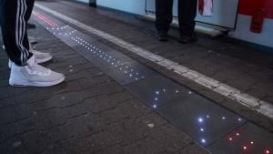 So funktioniert die erste intelligente Bahnsteigkante