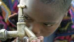 Wasserreserven versiegen schneller als Ölreserven