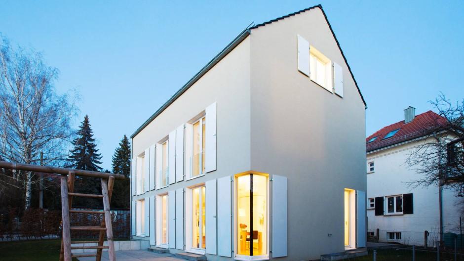 Schlank und hochgewachsen: Das Haus der Familie Restle steht auf einer Grundfläche von 75 Quadratmetern.