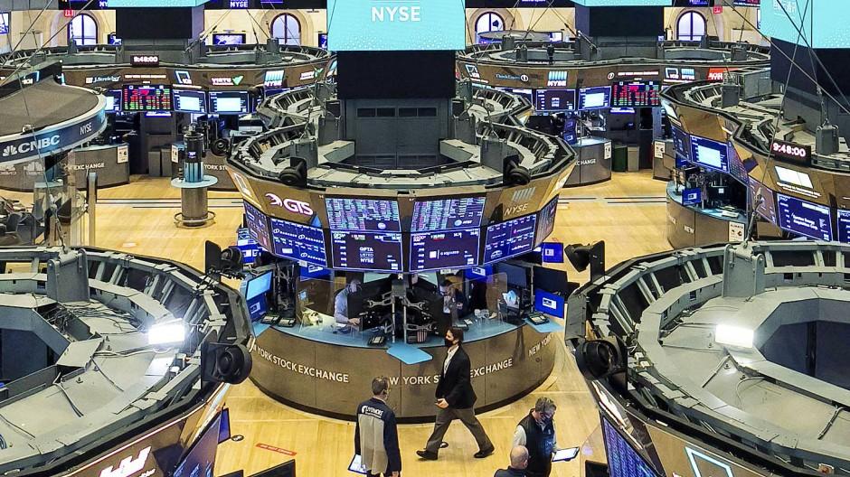 Das Börsenparkett an der New Yorker Wall Street: Dort ist in der Pandemie das Geschäft mit leeren Börsenmänteln, den sogenannten Spacs, explodiert.