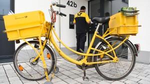 Netzagentur erzwingt höheren Preis für E-Postbrief