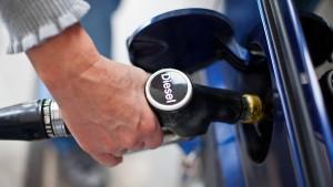 Bundesrechnungshof stellt niedrigen Dieselsteuersatz in Frage