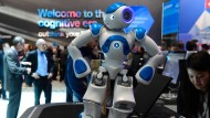 Bärenstark: IBM's Watson-Computer, der auch diesen kleinen interaktiven Roboter steuert, kann sprechen, lesen und schreiben.