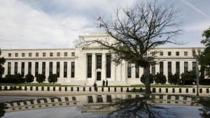 Fed wartet mit Zinsschritt