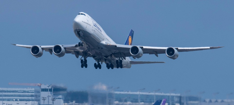 Verdi Kündigt Warnstreiks An Vier Deutschen Flughäfen An