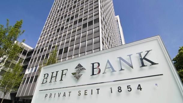 Deutsche Bank startet neuen Anlauf zum BHF-Verkauf