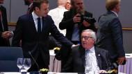 Im Reformeifer: Der französische Präsident Emmanuel Macron im Gespräch mit dem Kommissionspräsidenten Jean-Claude Juncker.