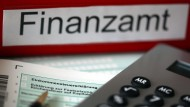 Finanzämter wälzen das Zinsrisiko auf die Bürger ab