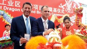 Henkel eröffnet größtes Klebstoffwerk der Welt - in China