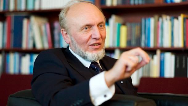 Hans Werner Sinn - Der deutsche Ökonom und Präsident des IFO Instituts für Wirtschaftsforschung stellt sich den Fragen von Frank Schirrmacher.