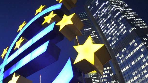 EZB: Hohe Verschuldung bremst das Wachstum