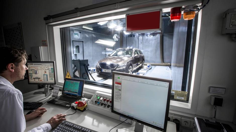 """""""Eine rollende Wellness-Oase"""": Mercedes C-Klasse im Testlabor"""