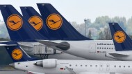 Viele Lufthansa-Flüge bleiben am Mittwoch am Boden.