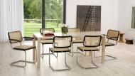 So sehen Stühle von Thonet im Wohnzimmer aus.