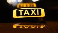 Gabriel fordert mehr Wettbewerb auf dem Taximarkt