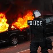 Abseits der Parade: Brennende Autos auf Washingtons Straßen