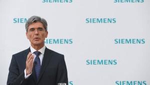 Siemens-Chef offen für gesetzliche Frauenquote