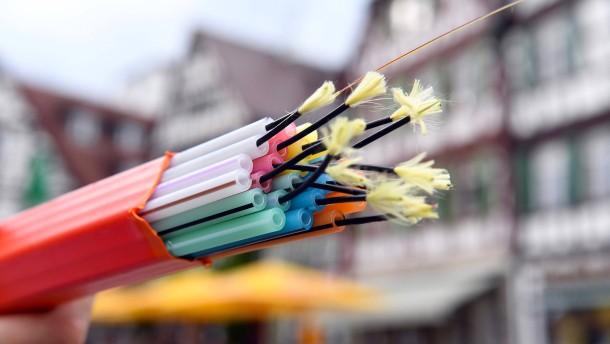 Telekom beschleunigt Glasfaserausbau