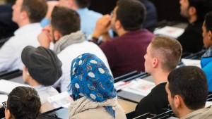 Kaum Förderung für studierwillige Flüchtlinge