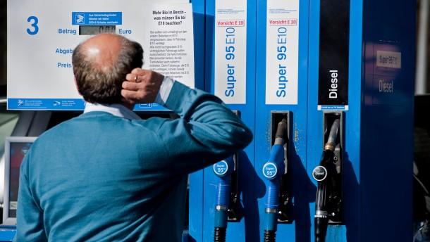 ADAC verklagt Ölkonzerne wegen E10