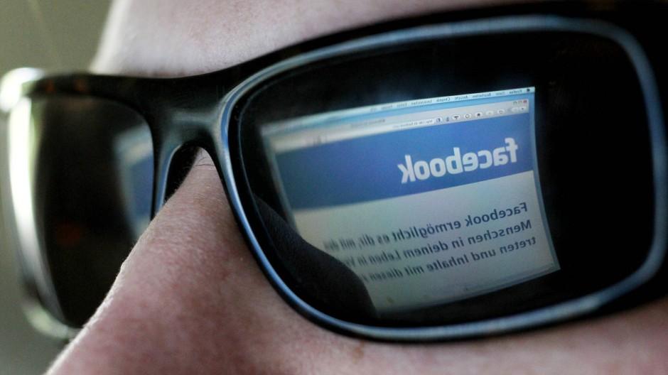 Das Netzwerk im Blick: Facebook wehrt sich gegen potentielle Angreifer