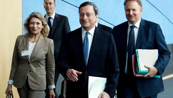 Draghi: EZB profitiert von Bankenaufsicht