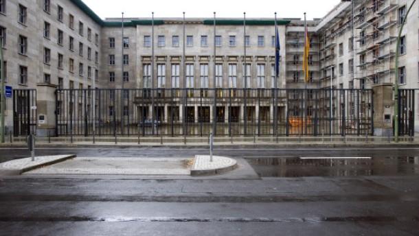 Lautes Stühlerücken in den Bundesministerien