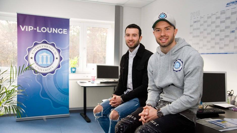 Ungewöhnlicher Weg: Statt Profifußballer wurden Robin und Danny (rechts) Söder Gründer.