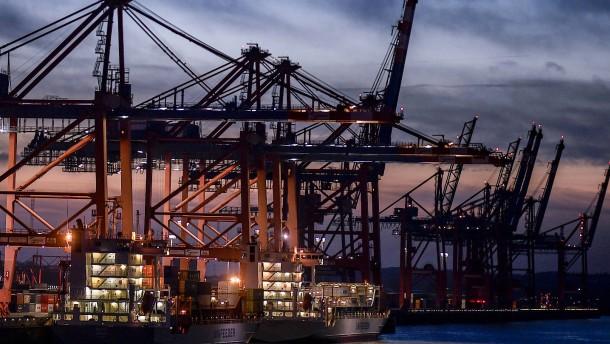 Die deutschen Reedereien rufen um Hilfe
