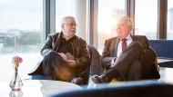 Alte Schulkameraden im noch nicht eröffneten The Fontenay in Hamburg: Wolf Biermann (links) und Klaus Michael Kühne