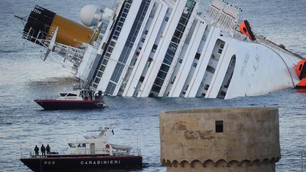 Nach Schiffsunglück vermisste Deutsche meldet sich