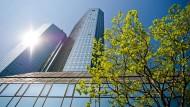 Razzia bei Deutscher Bank in Frankfurt