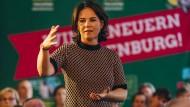 Grünen-Parteichefin Annalena Baerbock macht Wahlkampf in Brandenburg.