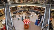 Fast menschenleer: Das Einkaufszentrum Kröpeliner Tor Center KTC in der Rostocker Innenstadt.
