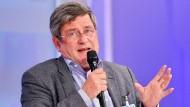 Stein des Anstoßes: Stiftungsvorsitzender Roland Tichy.