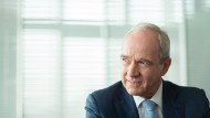 Karl-Ludwig Kley steht dem Aufsichtsrat von Eon und der Deutschen Lufthansa vor und führte zwölf Jahre lang den Chemiekonzern Merck.
